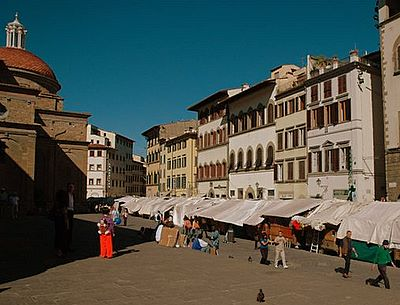 A great buzz at San Lorenzo Market - Florence